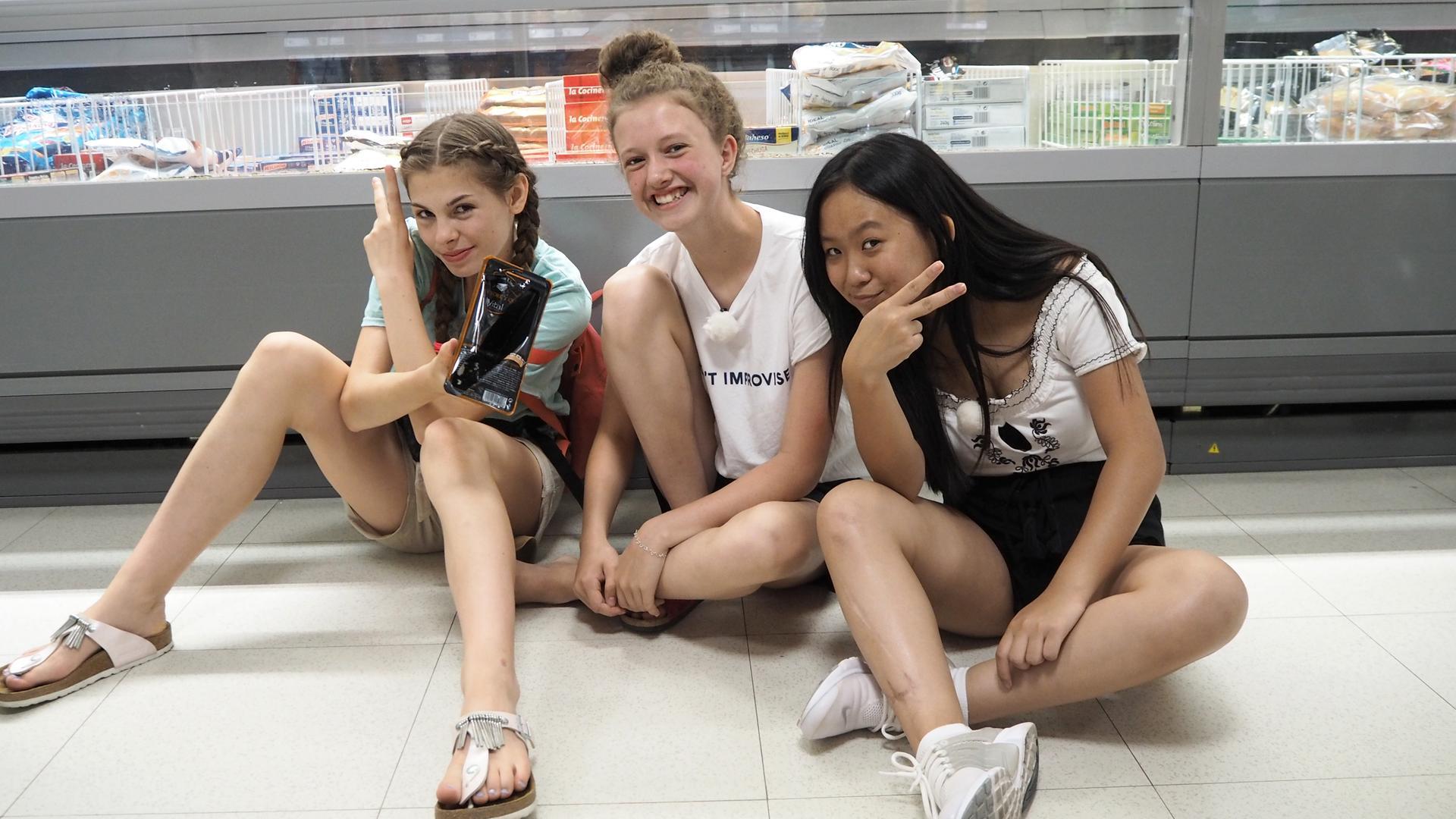 Die Mädchen Wg Folge 2 Shoppen Zdfmediathek