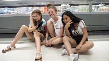 Die Wg - Die Mädchen-wg - Folge 2: Shoppen