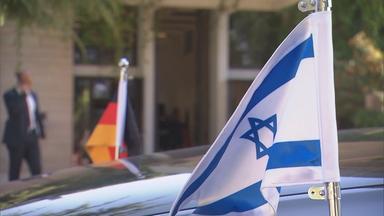 Deutschland- und Israel-Flagge.