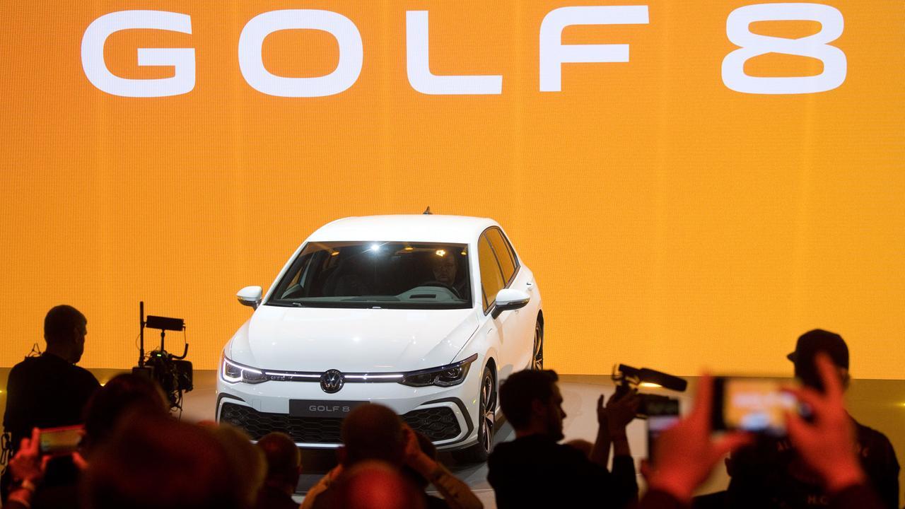 Hybridoffensive: Golf 8 soll VW den Weg in die E-Mobilität ...