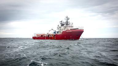 """Verteilung auf mehrere EU-Länder: Lösung für Rettungsschiff """"Ocean Viking"""""""
