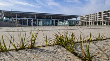 Zdfinfo - Pannenflughafen Ber - Vom Vorzeigeprojekt Zum Milliardengrab