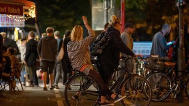 Zdf.reportage - Party-sommer In Der Stadt - Feierlust – Anwohnerfrust