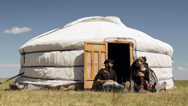 """Szenenbild aus dem Dokumentarfilm """"Weit. Die Geschichte von einem Weg um die Welt"""""""