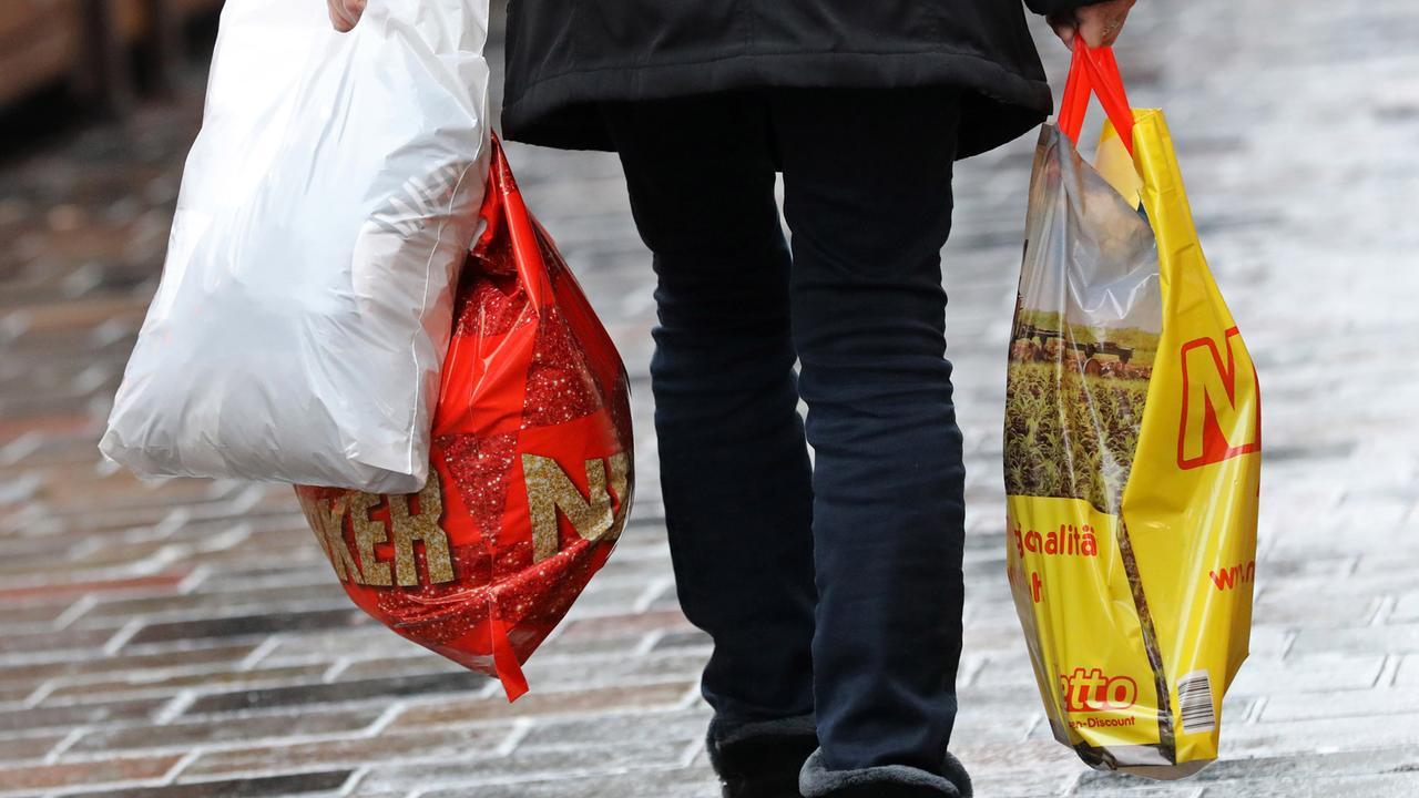 Plastikmüll: Umweltministerium will Plastiktüten verbieten