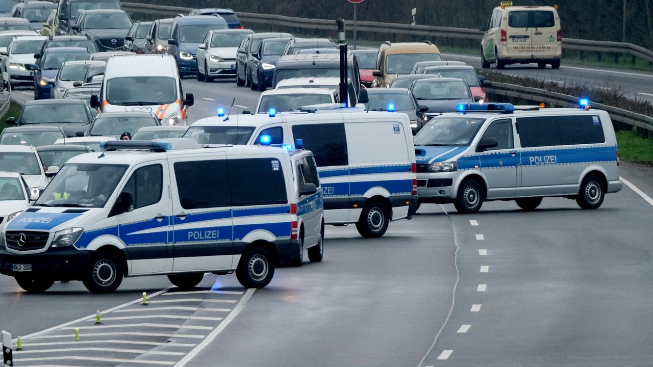 Polizei verhindert Demo in Leipzig