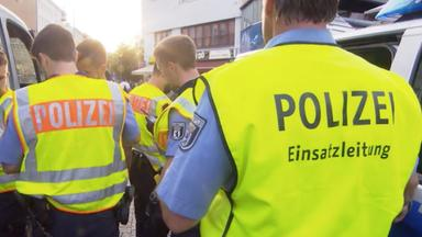 Zdfinfo - Polizei Im Einsatz: Brennpunkt Berlin