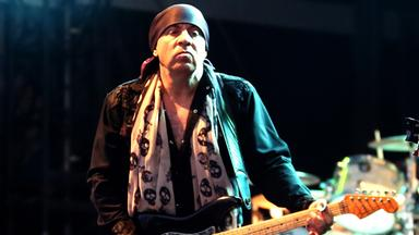 Little Steven and The Disciples of Soul: Soulfire Live
