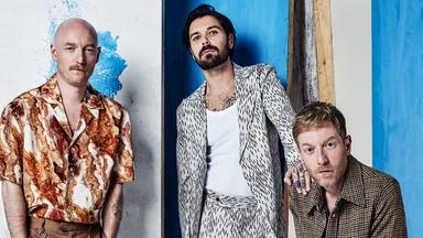 Pop Around The Clock - Biffy Clyro: Live At The Barrowlands