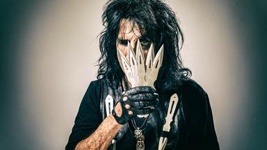 Pop Around The Clock - Alice Cooper: A Paranormal Evening At The Olympia Paris