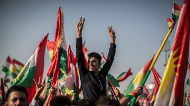 kurden demonstrieren fuer unabhaengigkeit