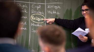 Sonntags - Tv Fürs Leben - Braucht Es Religionsunterricht?