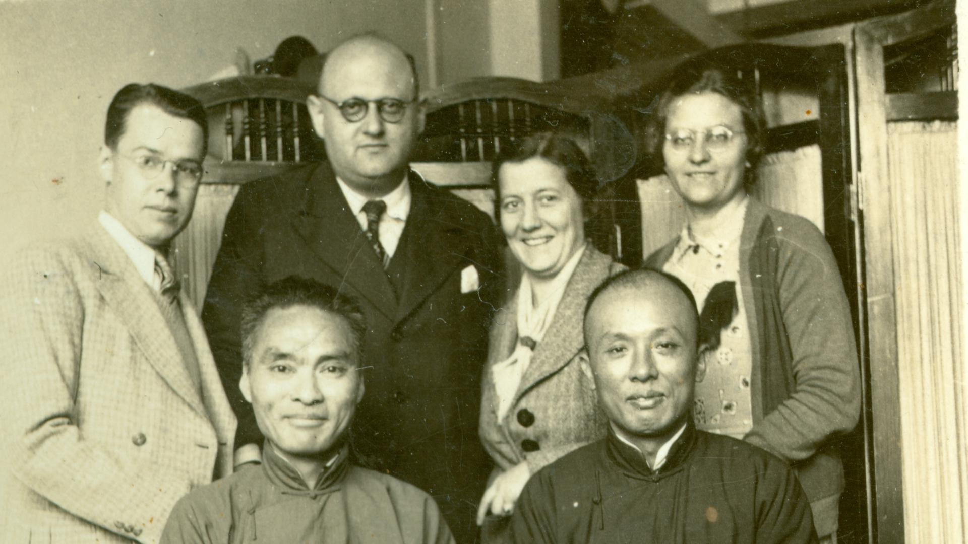 Robert Michaelis 1939 im Exil in Shanghai (2.v.l. hinten)