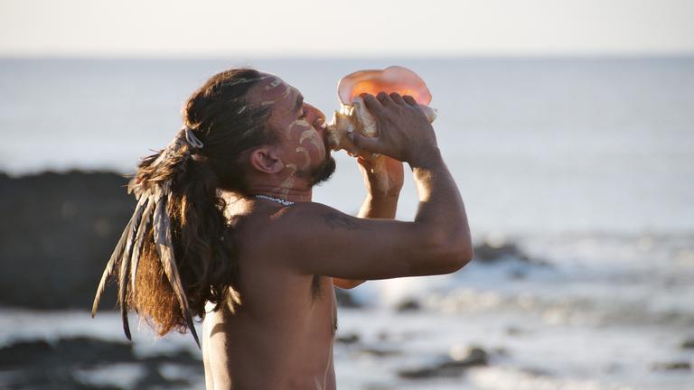Ein Rapa Nui ruft die Götter an.