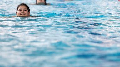 Forum Am Freitag - Ein Schwimmbad - Nur Für Muslime?