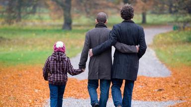 Sonntags - Tv Fürs Leben - Menschen, Die Uns Prägen: Regenbogenfamilien