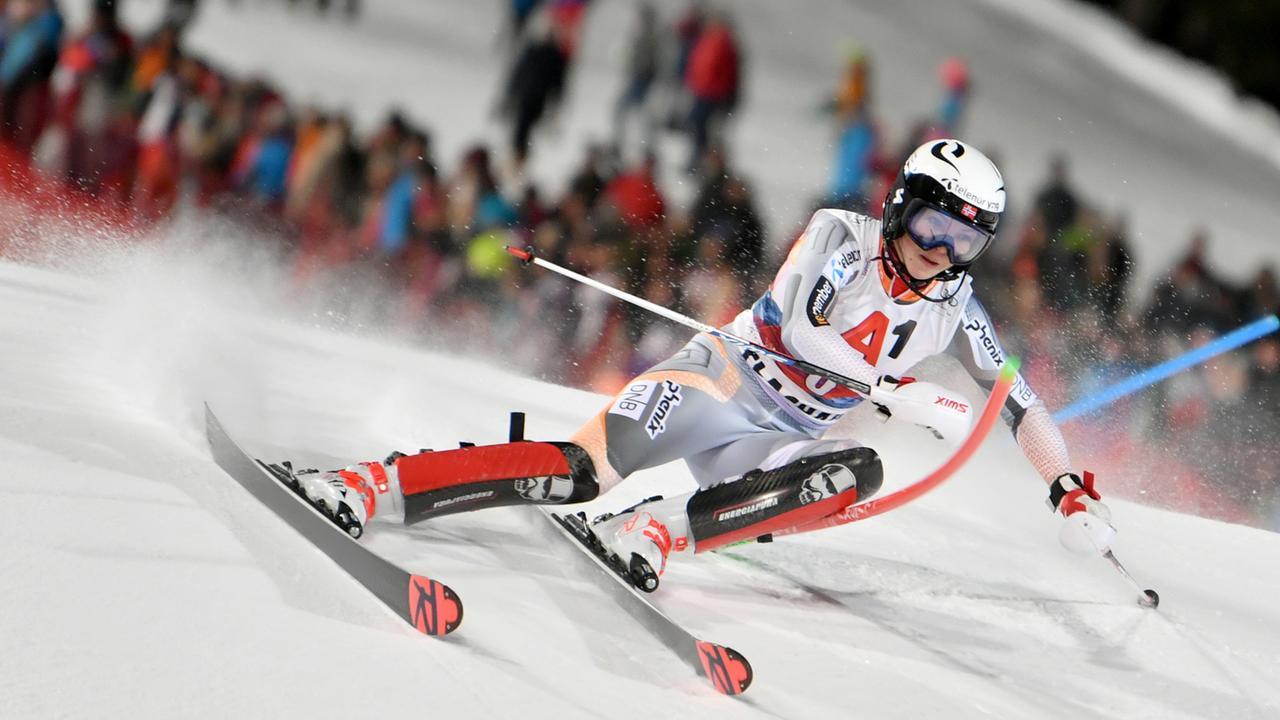 Ski Alpin: Damen-Slalom in Flachau komplett - ZDFmediathek