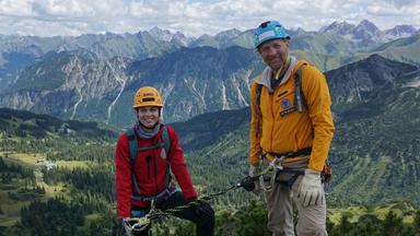 Zdftivi: Die Sportmacher - Gleitschirmfliegen, Klettersteig Und American Football
