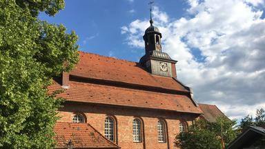Gottesdienst - Die Kirche Im Dorf Lassen
