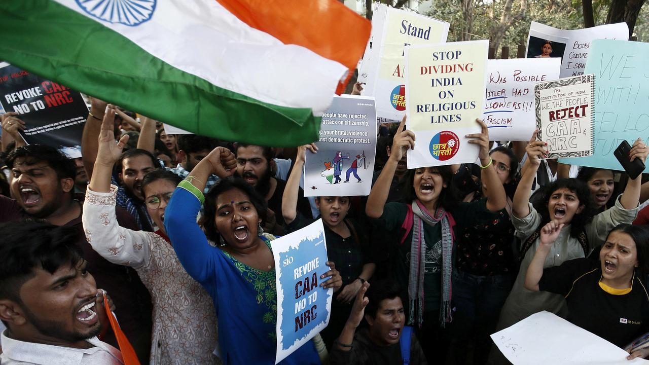 Wegen neuem Einwanderungsgesetz: Massive Studentenproteste in Indien