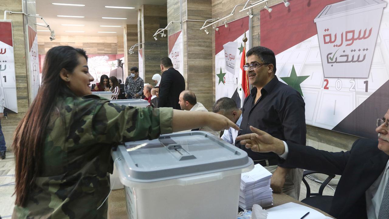 """Syrer wählen Präsidenten - Opposition spricht von """"Farce"""""""