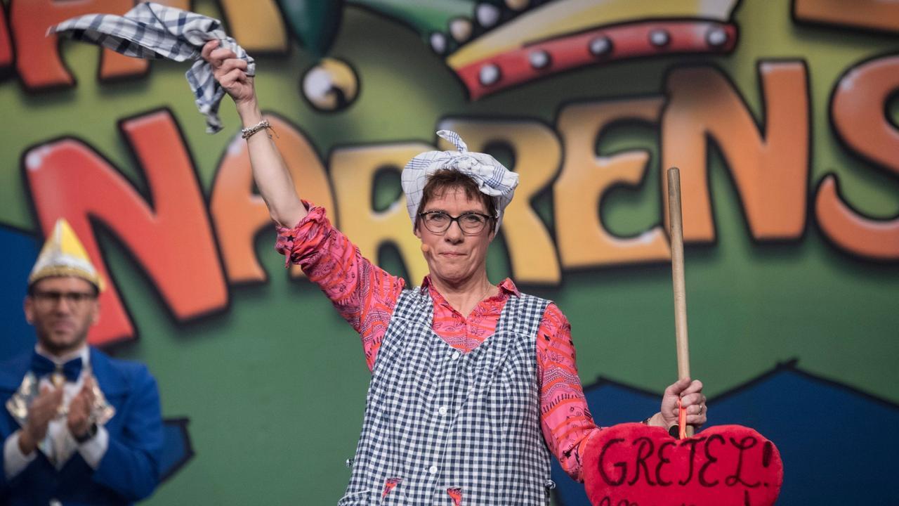 Annegret Kramp-Karrenbauer Karneval