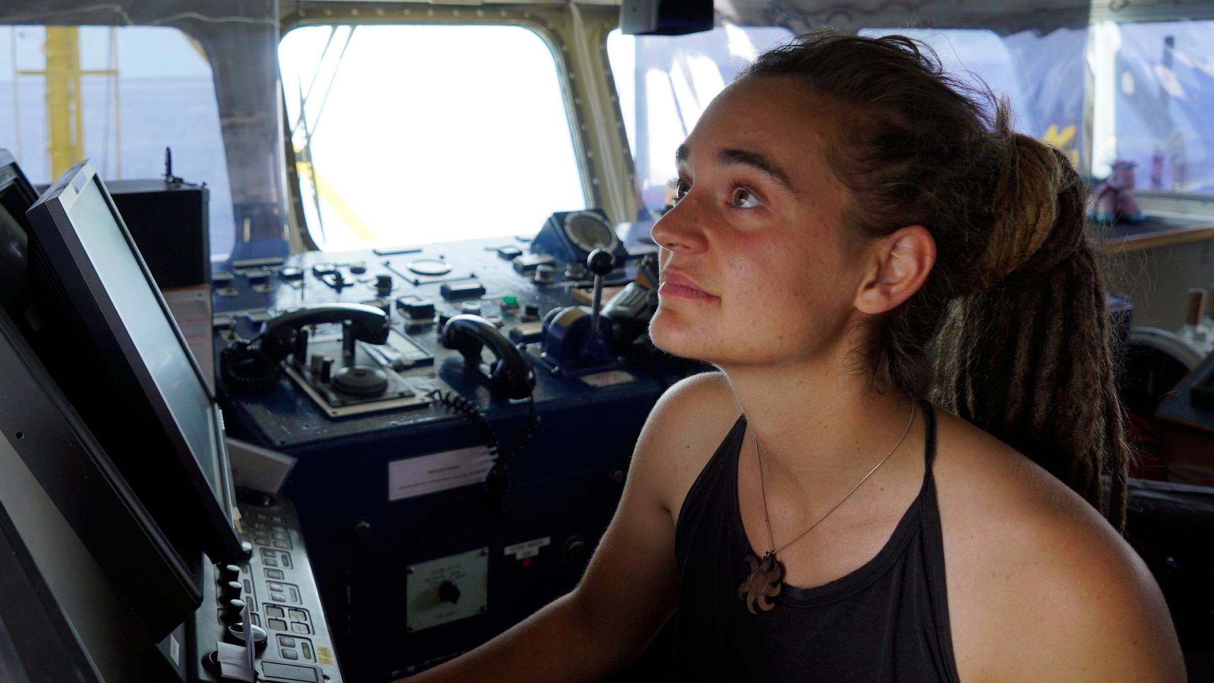 Carola Rackete an Bord der Sea-Watch 3 (Archiv).