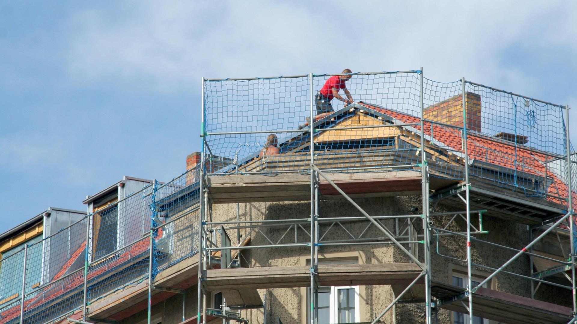 Wohnungsnot In Den Stadten Grune Wollen Dachausbau Fordern