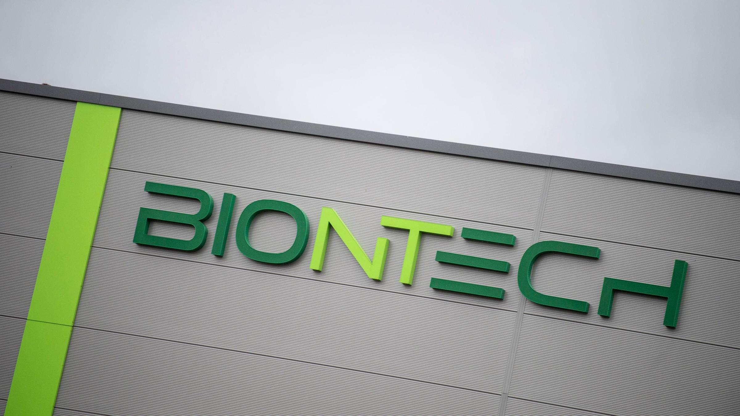 Jugendliche: Biontech meldet hundertprozentige Wirksamkeit - ZDFheute