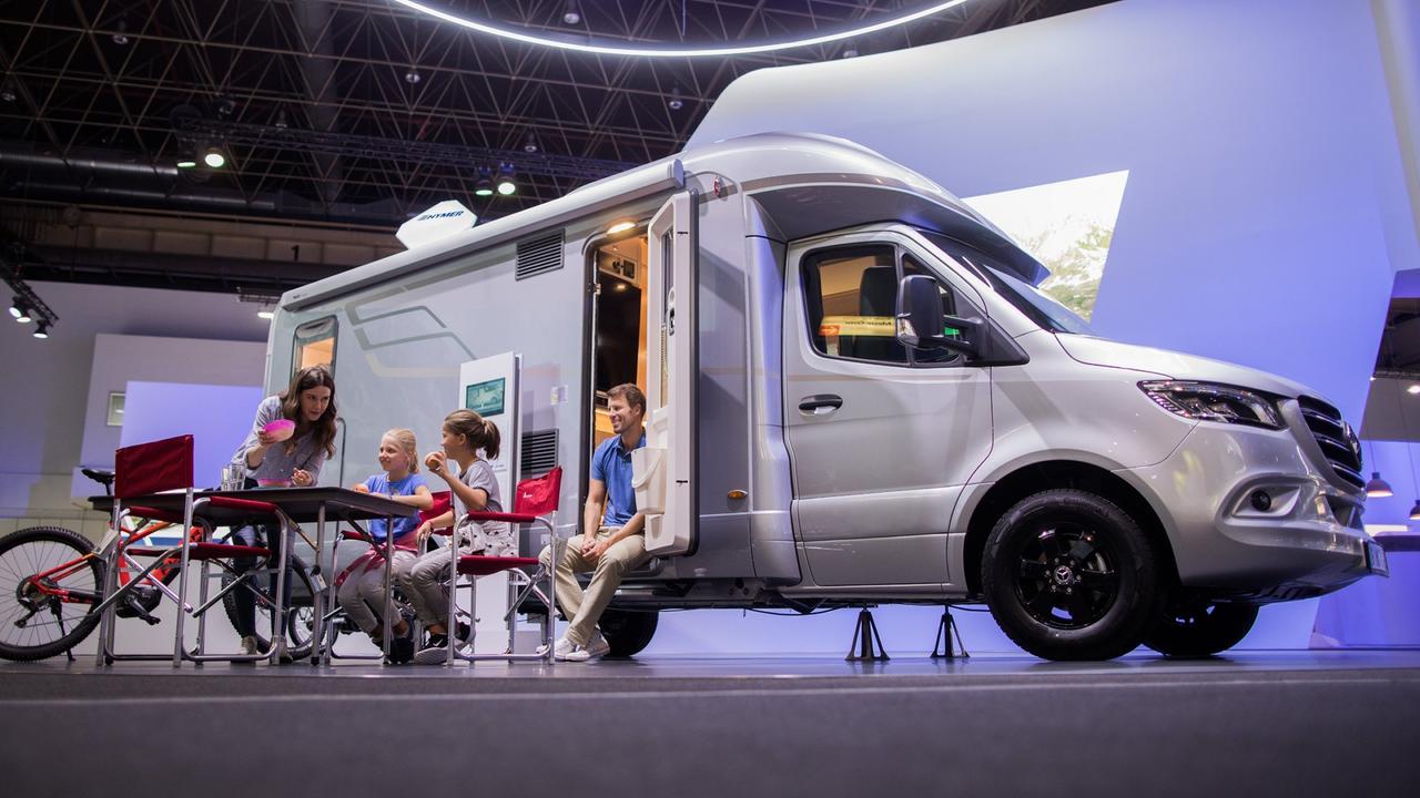caravan salon startet reisemobil branche meldet rekorde. Black Bedroom Furniture Sets. Home Design Ideas