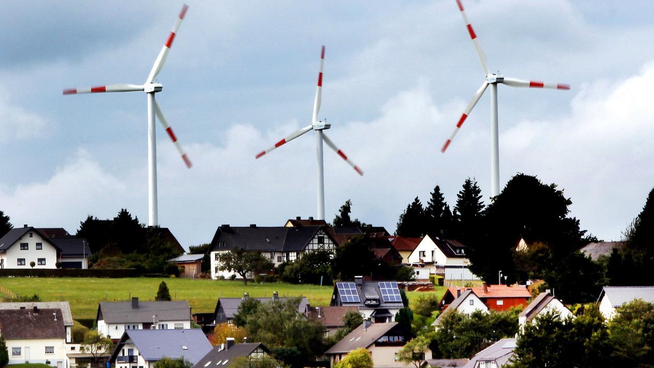 Auf Energiepaket geeinigt: Koalition will Ökostrom ausbauen - ZDFmediathek
