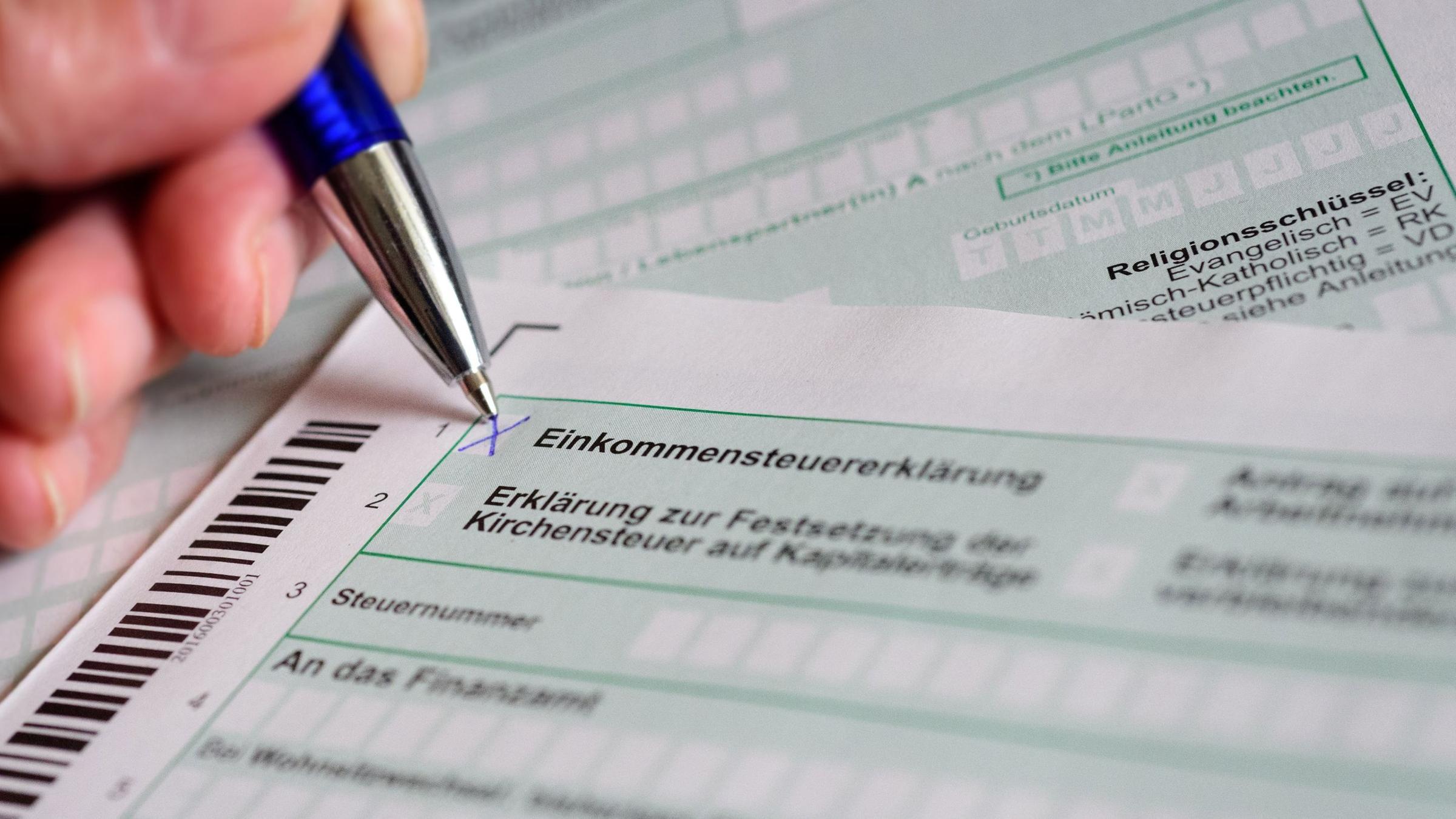 Gleichstellung Homosexueller Steuererklarung Ohne Ehemann Und Ehefrau Zdfheute