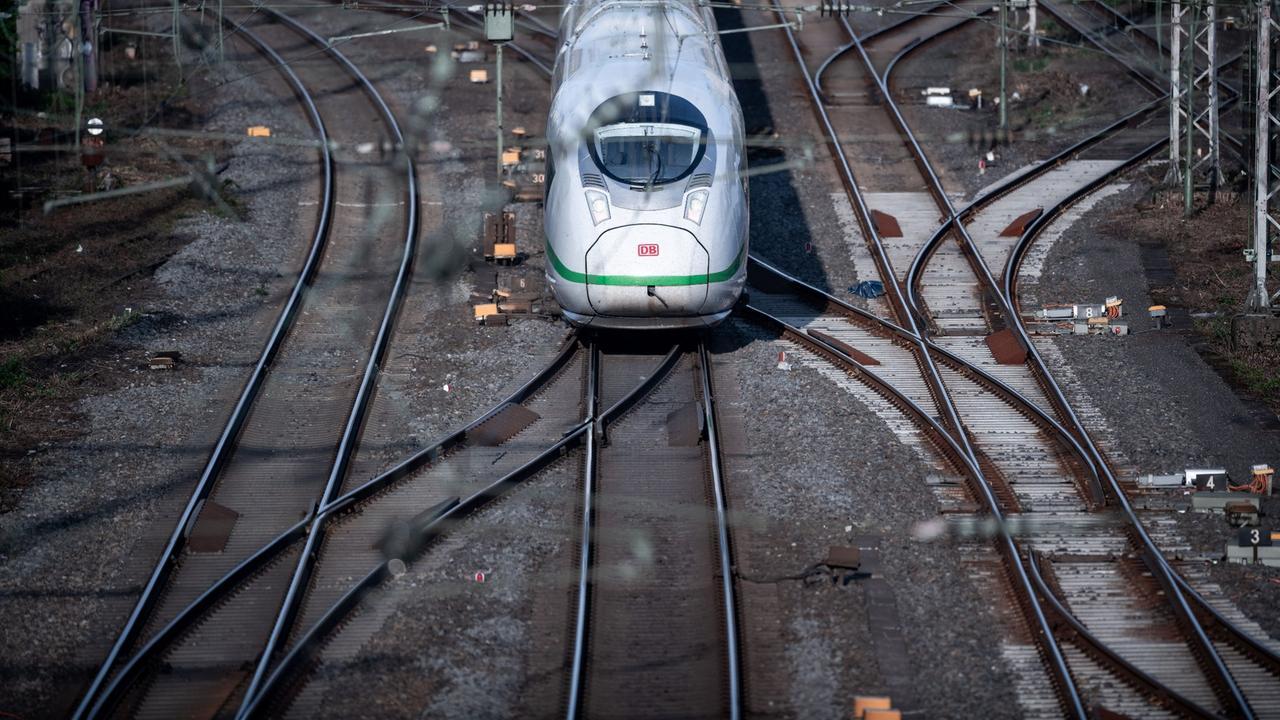 Corona-Krise: Bund plant Milliardenhilfe für die Bahn