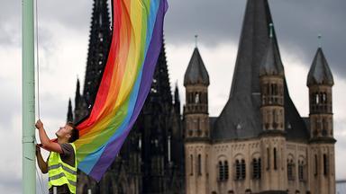 Sonntags - Tv Fürs Leben - Queer Und Glaube