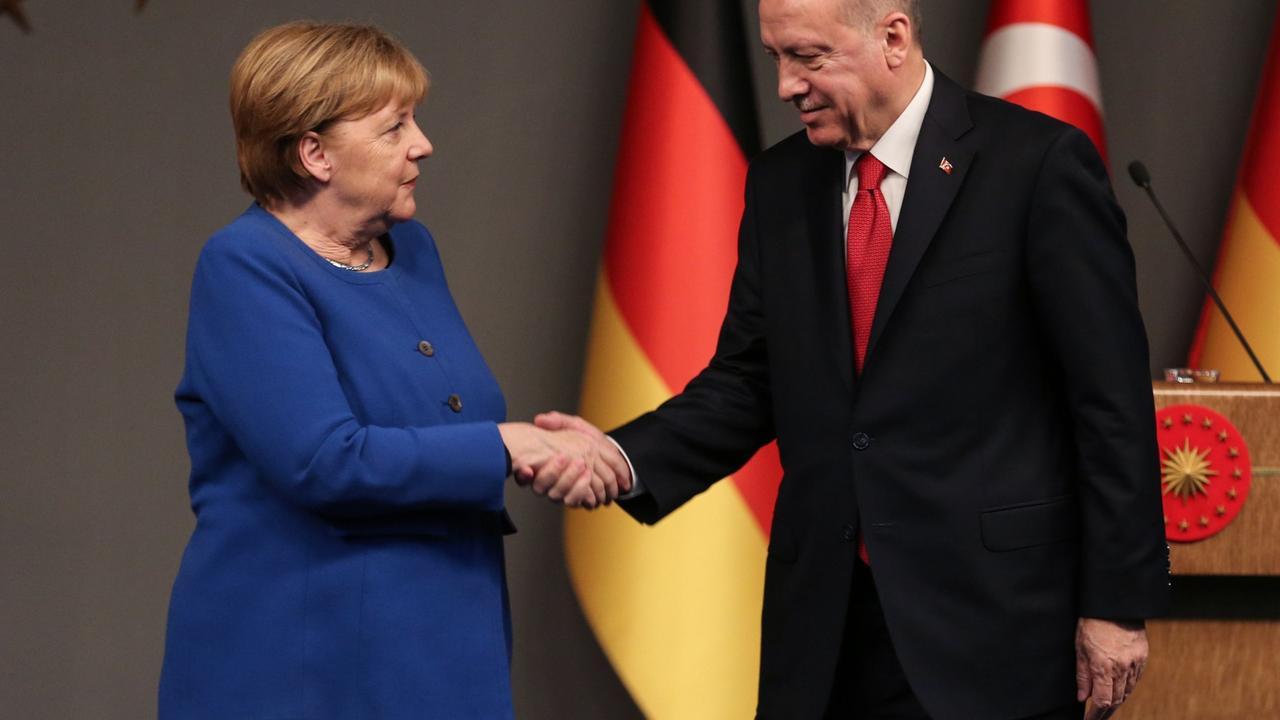 Merkel will mit Erdogan über Flüchtlinge sprechen