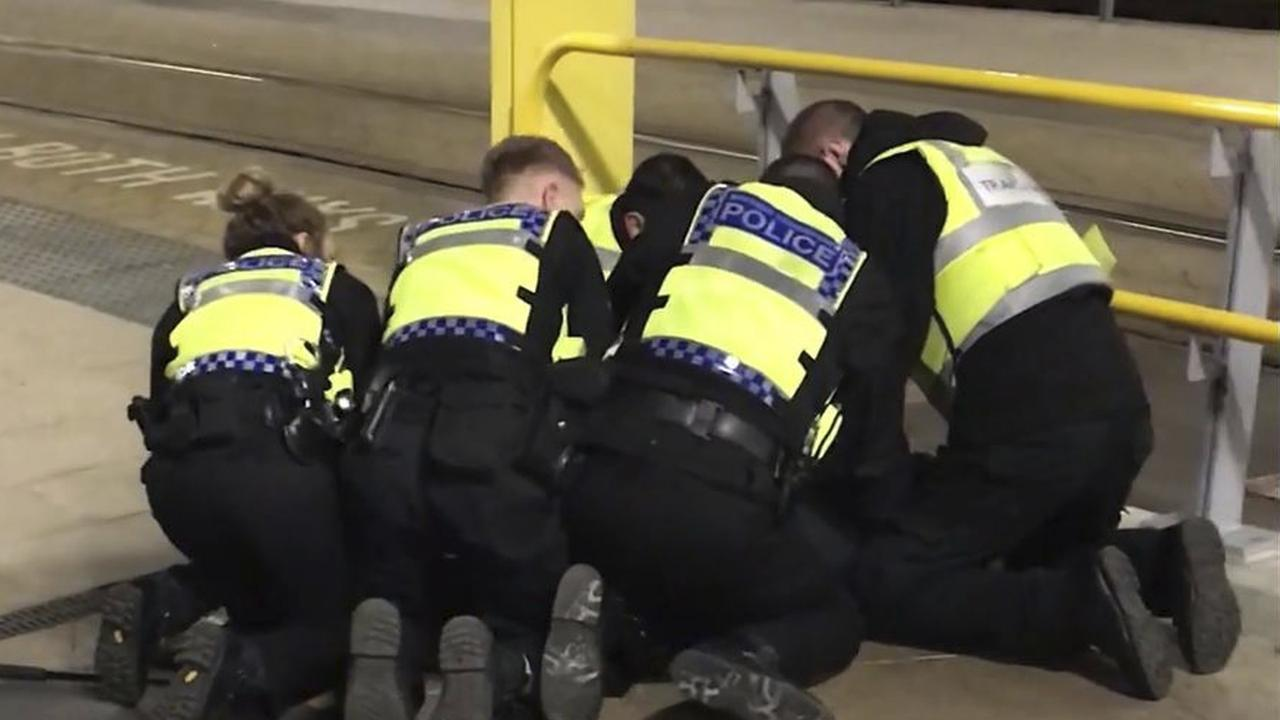 Messerattacke in Manchester: Polizei geht von Terrorismus aus
