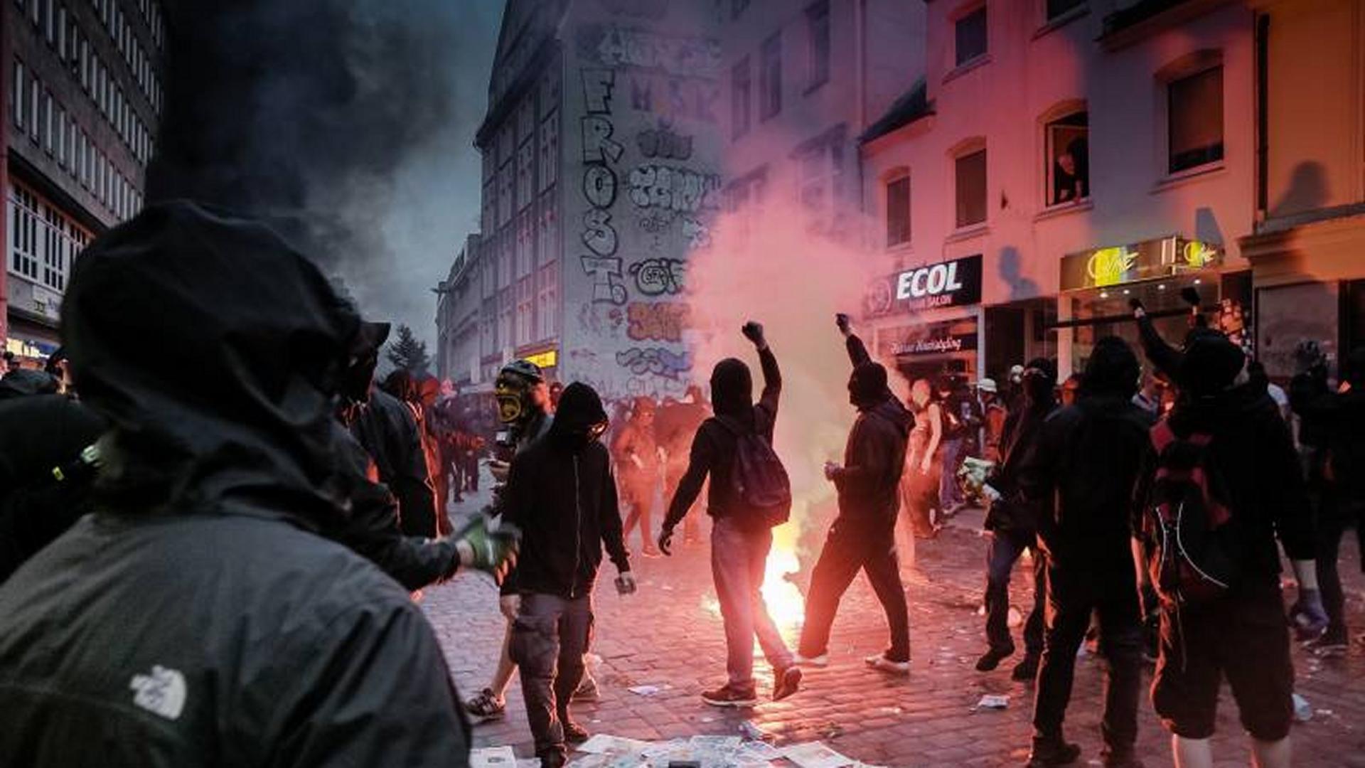 Mutmaßliche Gewalttäter: Neue Fotofahndung nach G20-Krawallen ...