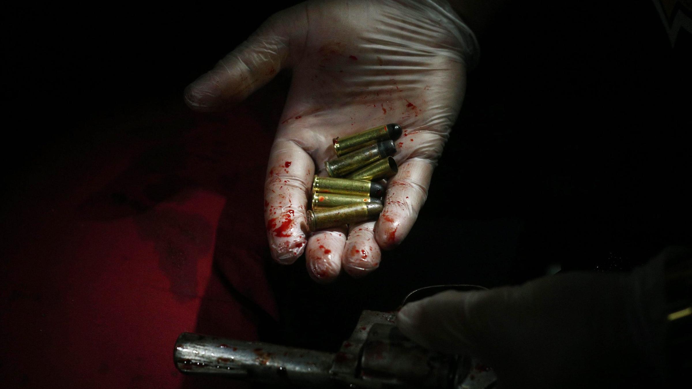 Mexiko Kartell Brücke.Drogenkrieg In Mexiko Kartell Knüpft Tote An Brücke Auf Zdfmediathek