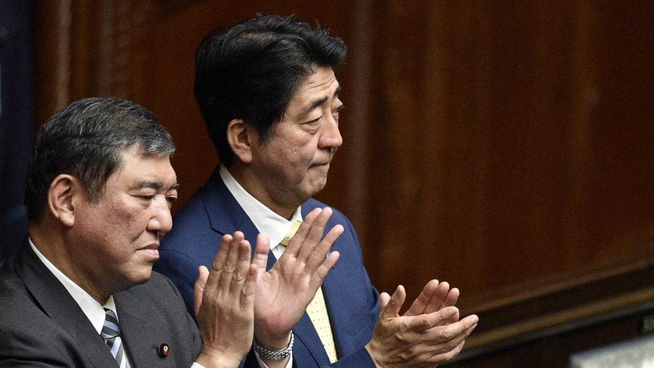 Ishiba fordert Abe heraus: Japans Regierungspartei wählt Chef