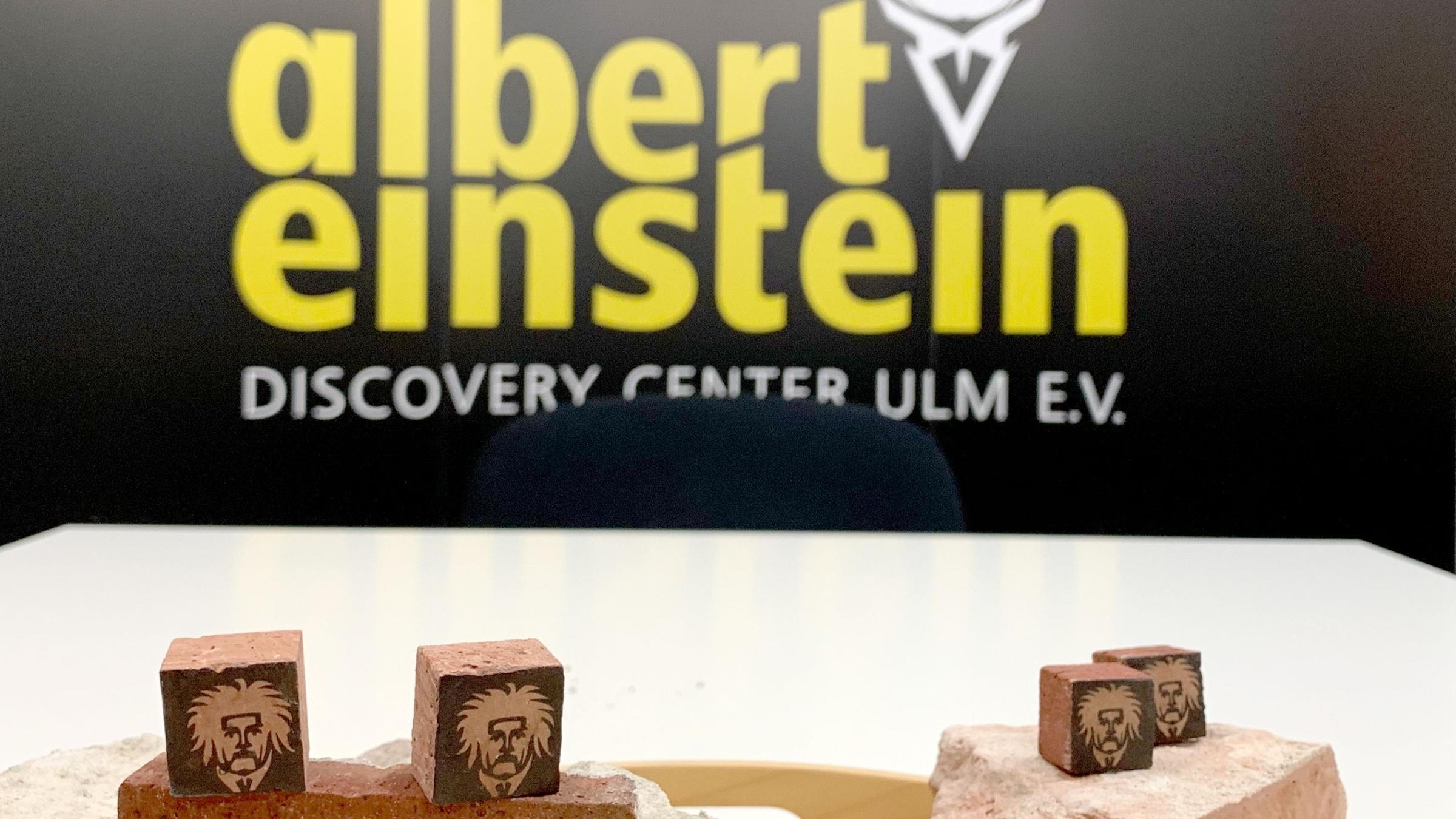 Haus In Ulm Steine Von Einsteins Geburtshaus Zum Verkauf