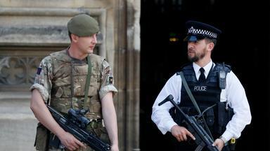 Verstärkte Sicherheitsmaßnamen nach dem Anschlag in Manchester