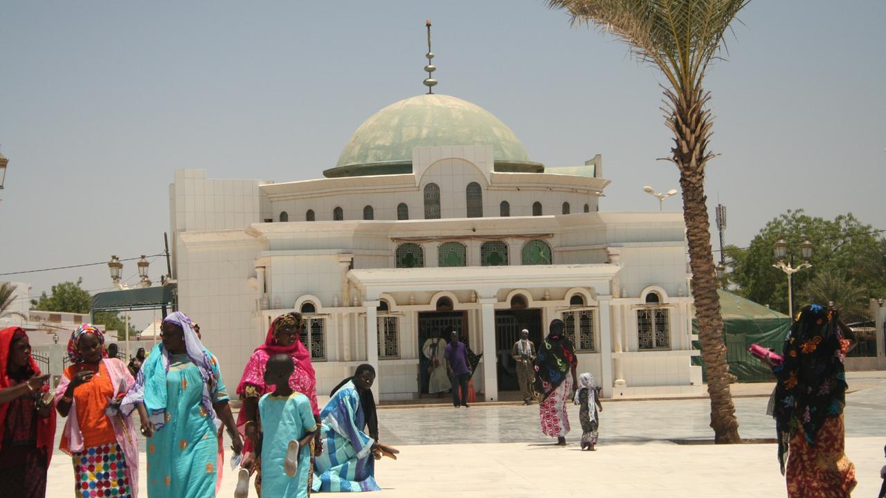 Touba mausoleum senegal 100~1280x720?cb=1546600712336