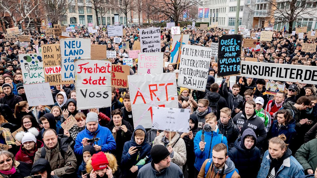 Artikel 13 Proteste