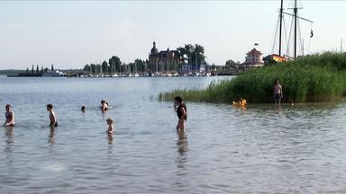 Menschen am See in Bitterfeld