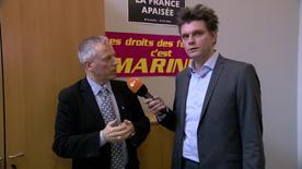 Lutz van der Horst (r.) im Gespräch mit FN-Kandidat Laurent Gnaedig