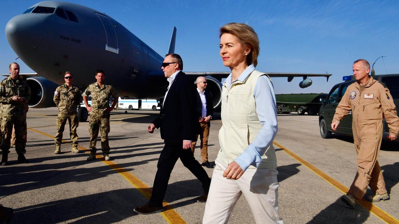 Von der Leyen besucht Bundeswehr in Jordanien