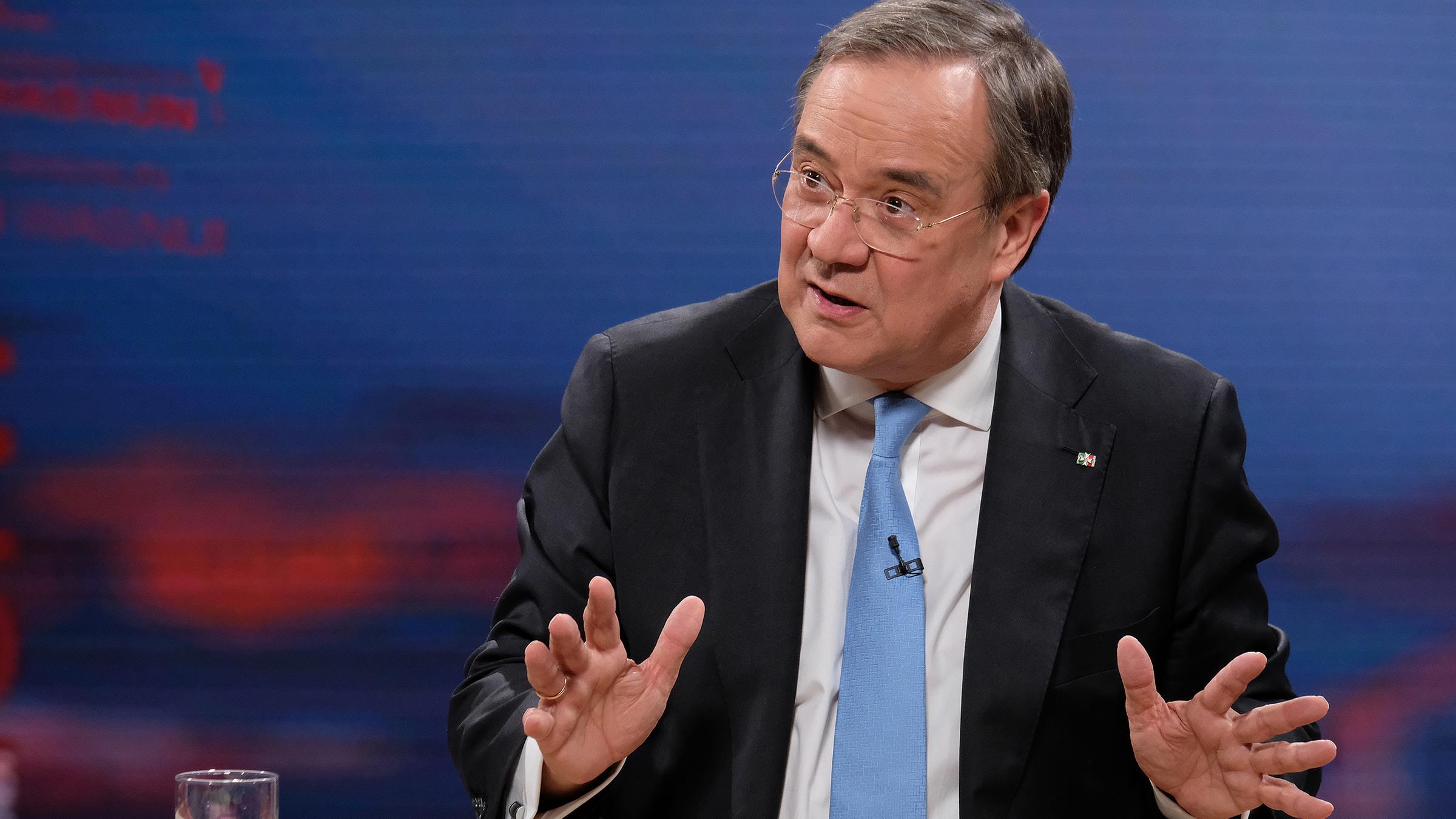 Kanzlerkandidatur: Union stärkt Laschet den Rücken - ZDFheute