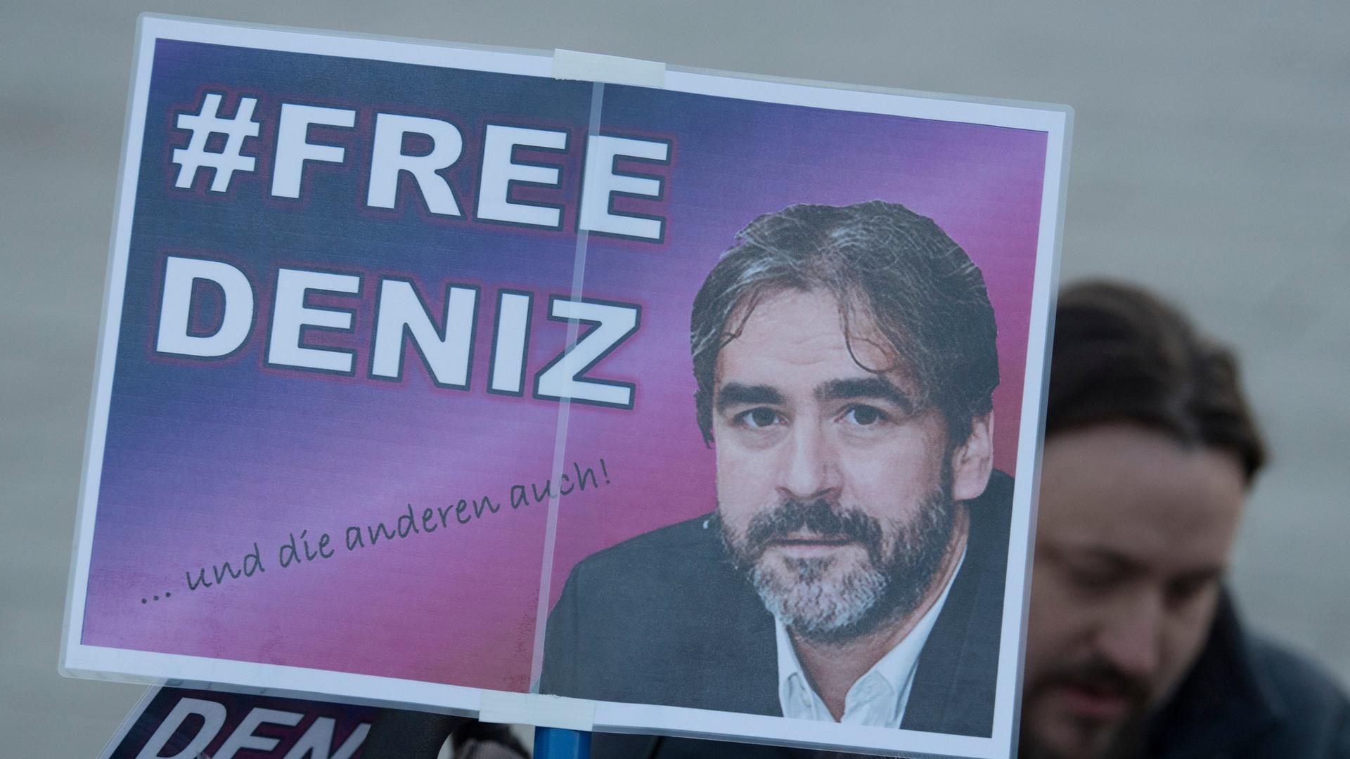 Ein Jahr Haft Ohne Anklage Der Fall Yücel Eine Chronologie