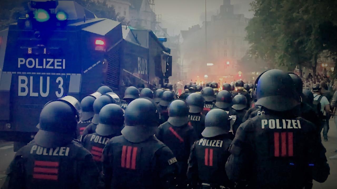 ZDFzoom: Staatsfeinde in Uniform